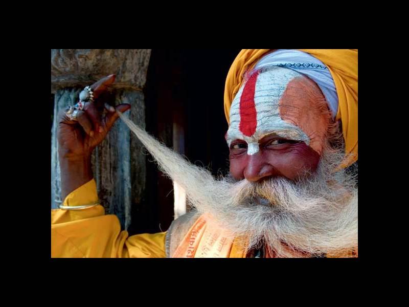 jogin-komercyjnie-pozuje-do-zdjec-w-katmandu-najpiekniejsza-na-swiecie-annapurna-13119-large.jpg